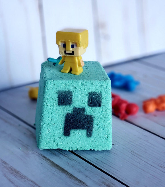 Creeper Bath Bomb - Action Figure inside