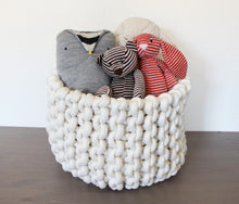 Load image into Gallery viewer, Pattern: Knit rope basket - digital download