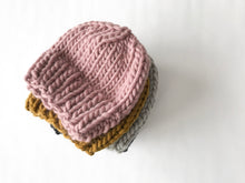 Load image into Gallery viewer, Hand knit wool beanie