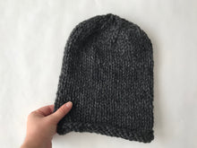 Load image into Gallery viewer, Chunky knit slouch hat
