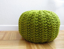 Load image into Gallery viewer, Basic knit pouf pattern - digital download
