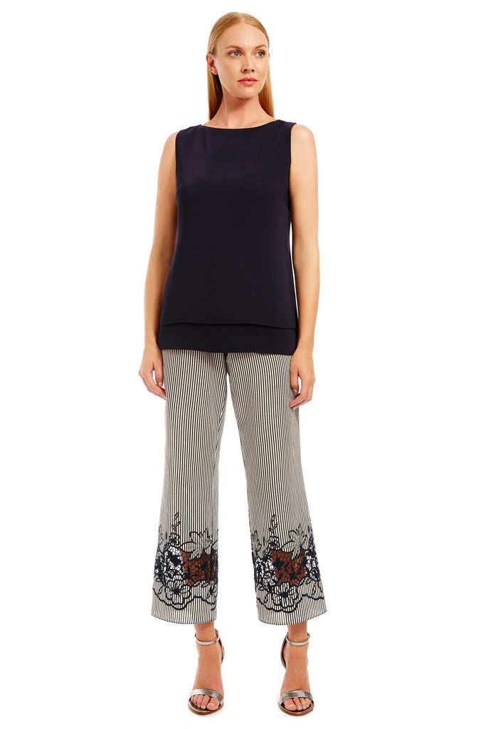 Cropped pants w/ lace at bottom