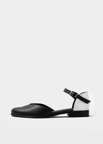 ALEXA Pumps - Black Tips - Desserto® vegan cactus leather