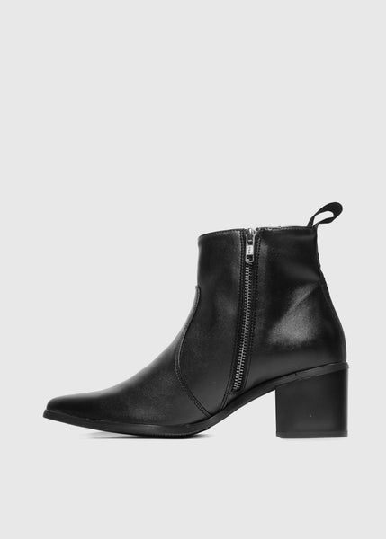 SWAN Boots Black - Desserto® vegan cactus leather