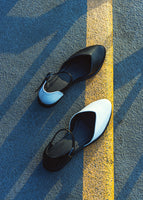 ALEXA Pumps - White/Black Tips - Desserto® vegan cactus leather