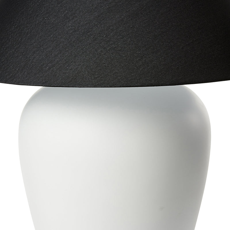 LGE WHITE CERAMIC LAMP W/BLACK SHADE