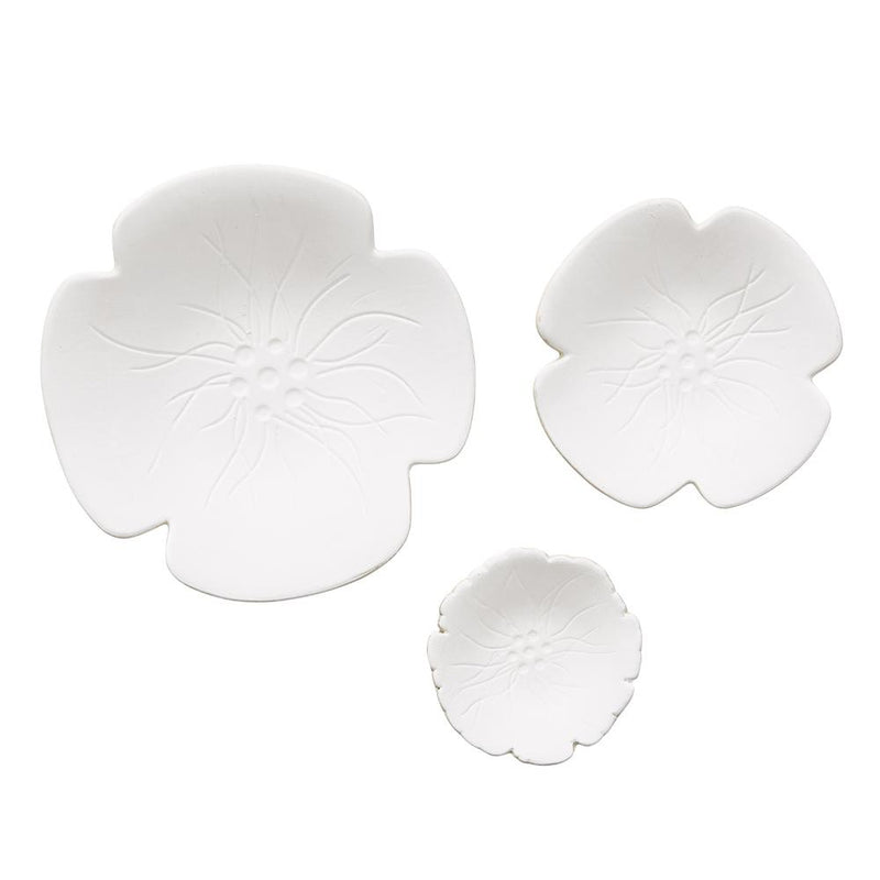 SMALL WHITE PETAL CERAMIC PLATE D8cm
