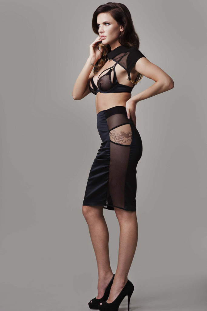 Model Sylvia Geersen wearing Nadine Skirt side view