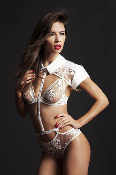Nadya Collar & Thong (with detachable suspenders) by Tatu Couture. Front view on model.