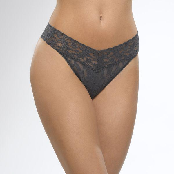 The Signature Lace Low Rise Thong 8702