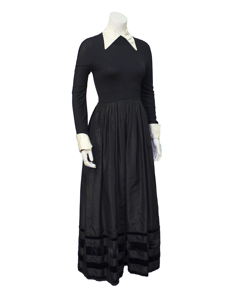 Black Taffeta Tngenue Gown