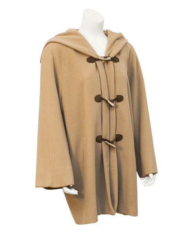 Camel toggle swing coat