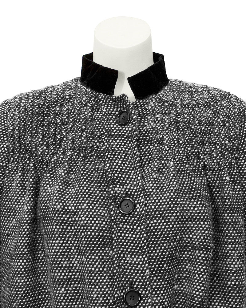Black & white boucle short swing jacket