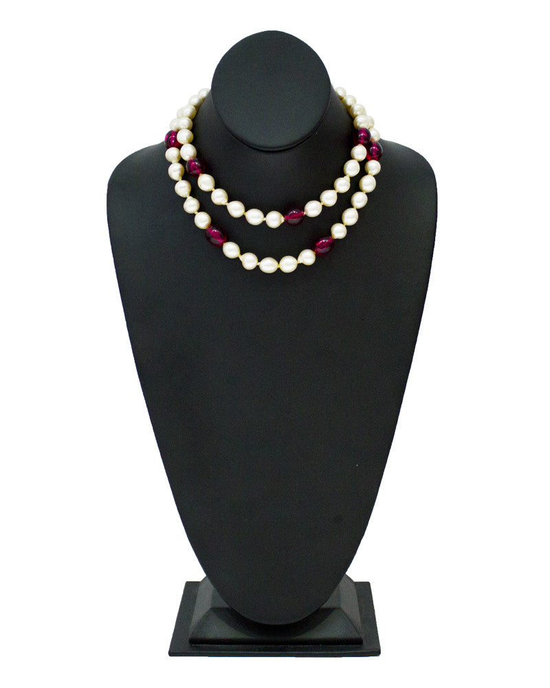 Faux pearl  & red poured glass necklace