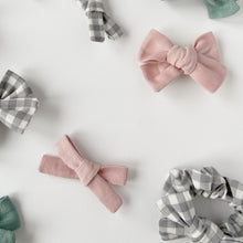 Load image into Gallery viewer, Pink Needlecord Hand Tied Hair Bow