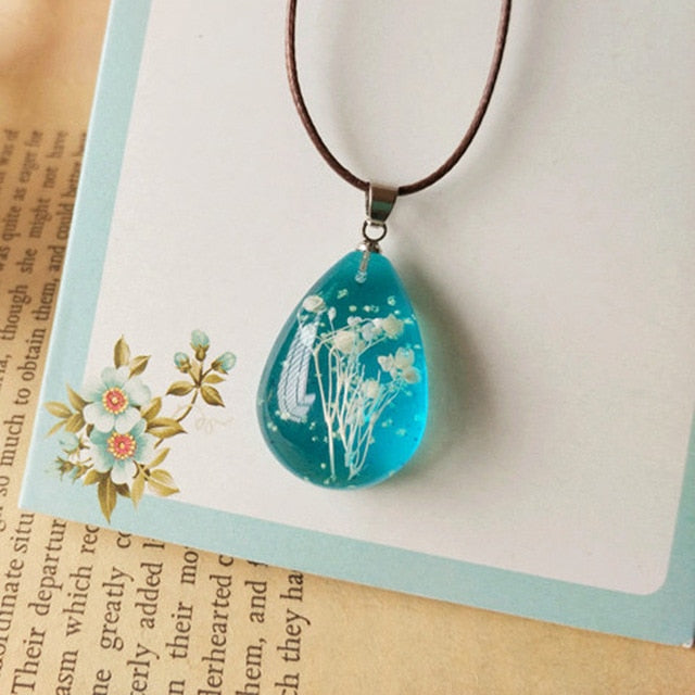 Handmade Natural Gypsophila Dried Flowers Luminous Necklace Pendant For Women
