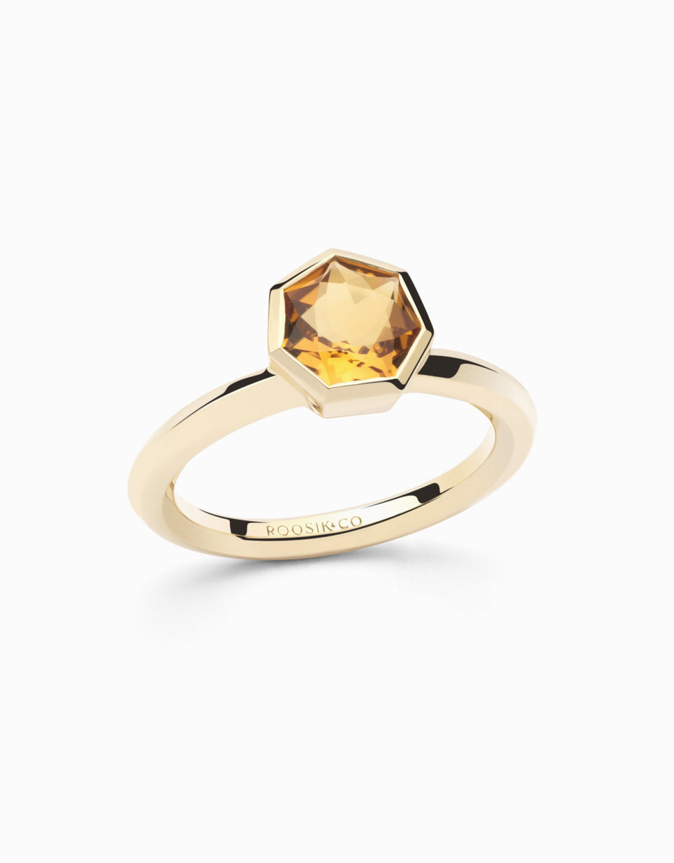 Gold ring with yellow gemstone 1