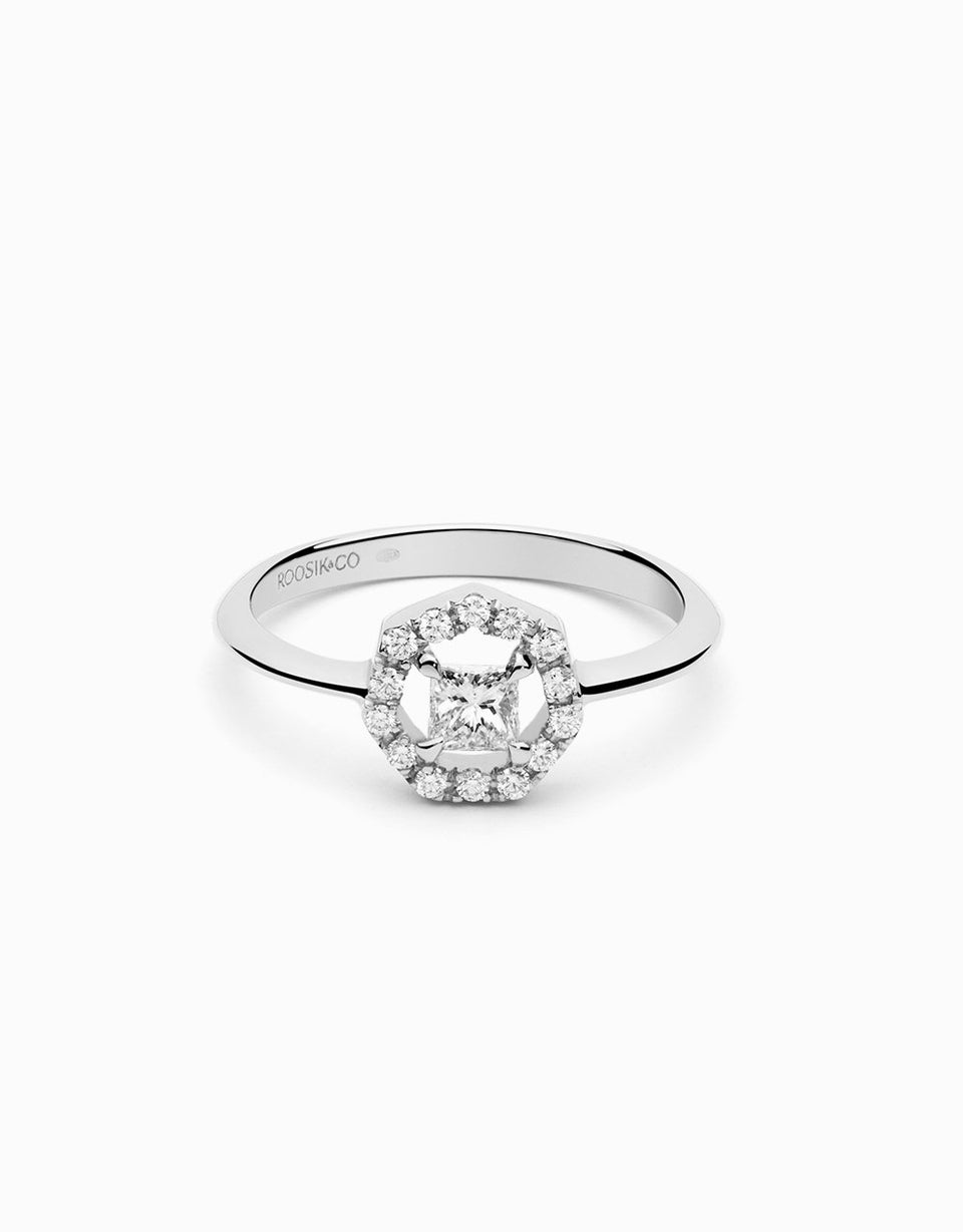 Engagement ring with 14 brilliant diamonds and one princess cut diamond
