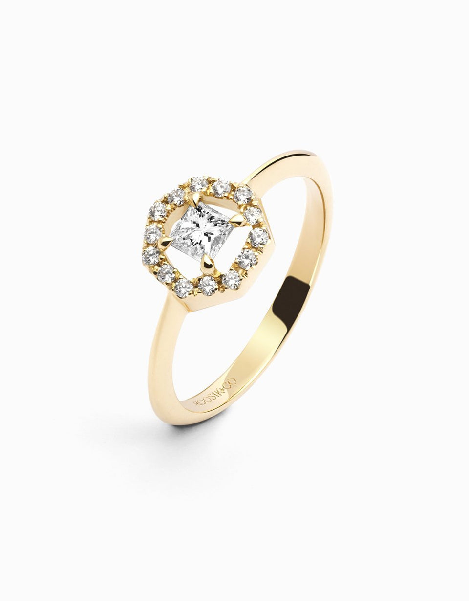Engagement ring in yellow gold with heptagon handmade in Girona