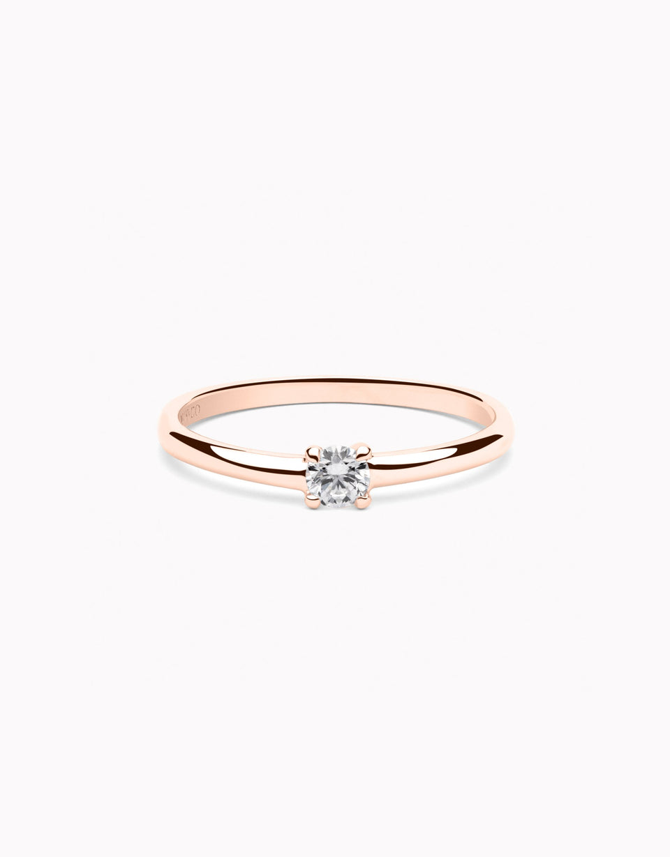 Engagement ring in rose gold and little diamond