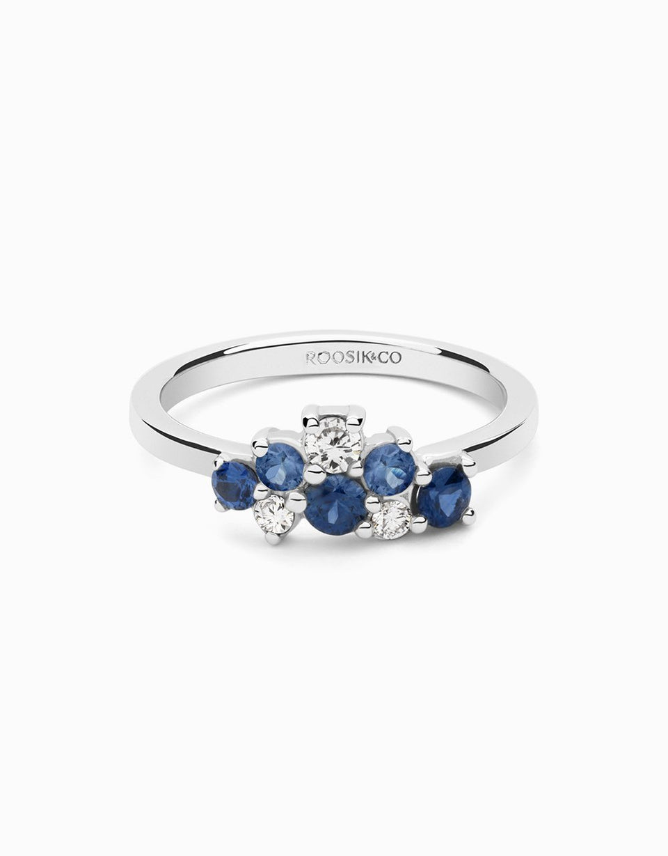 Ring with blue sapphires