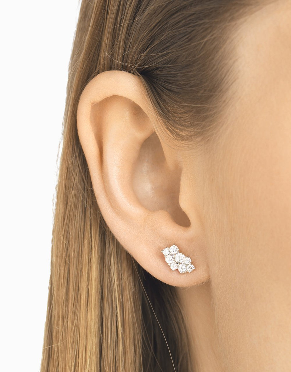 Diamond earrings in white gold with 16 natural diamonds in brilliant cut, handmade