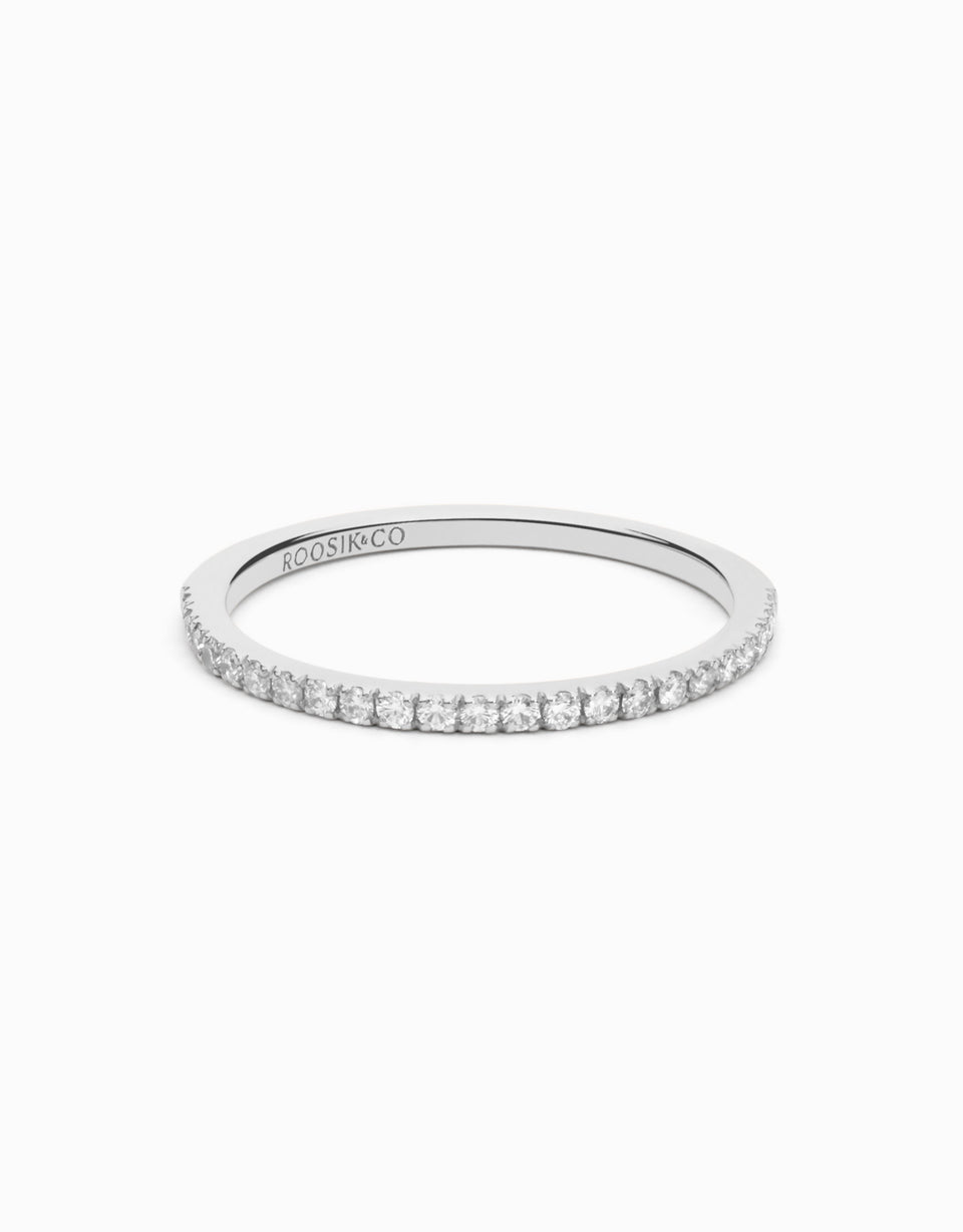 Slim wedding band in white gold with 0,21ct diamonds