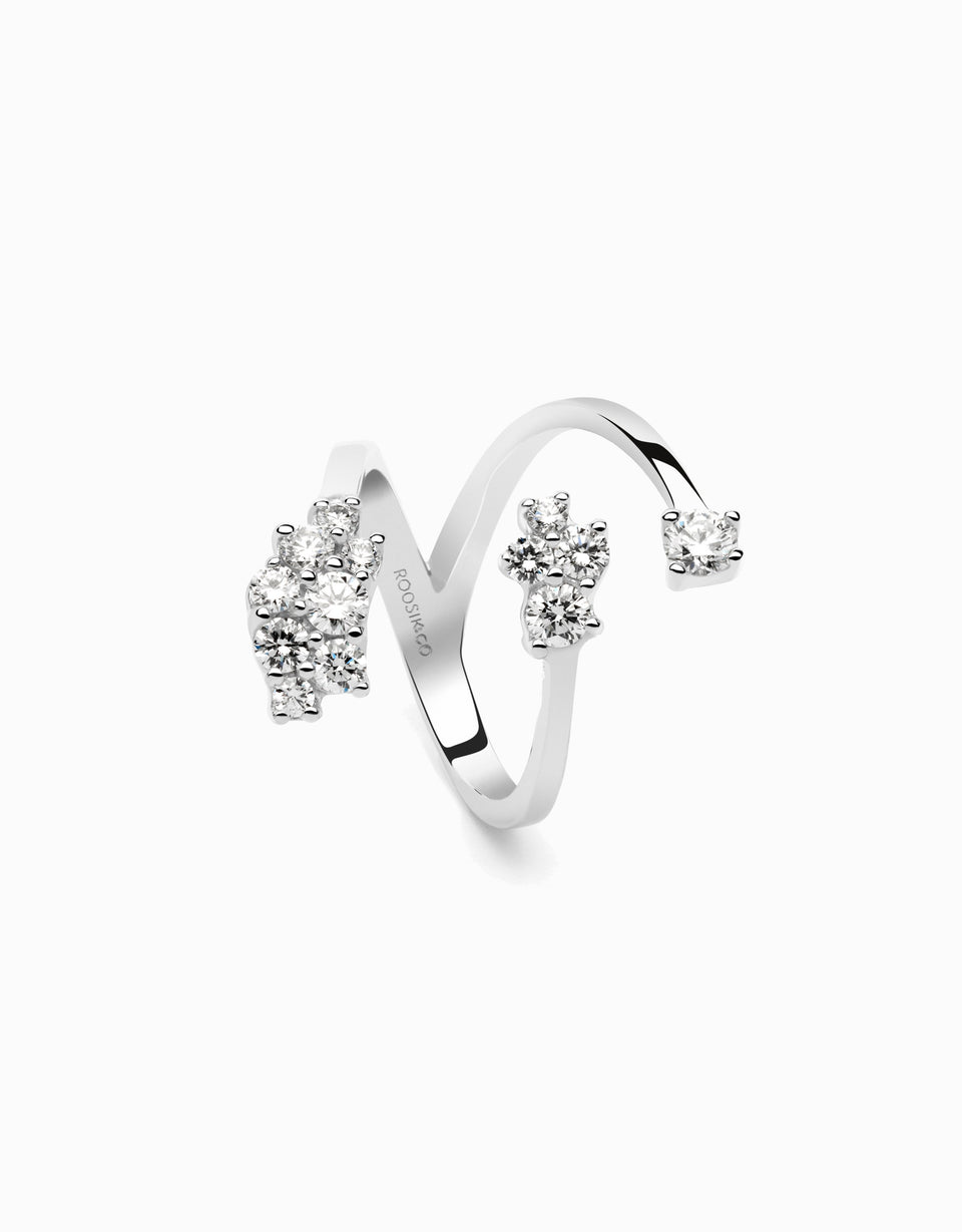 Anell or blanc i diamants disseny de Roosik & Co