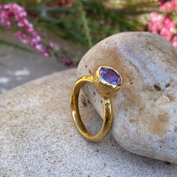 Behrianna Cocktail Ring - 7.5 mm - Amethyst - Gold