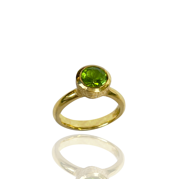 Behrianna Cocktail Ring - 7.5mm Peridot - Gold