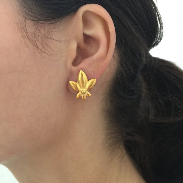 Lotus De Lys Stud Earrings - Gold