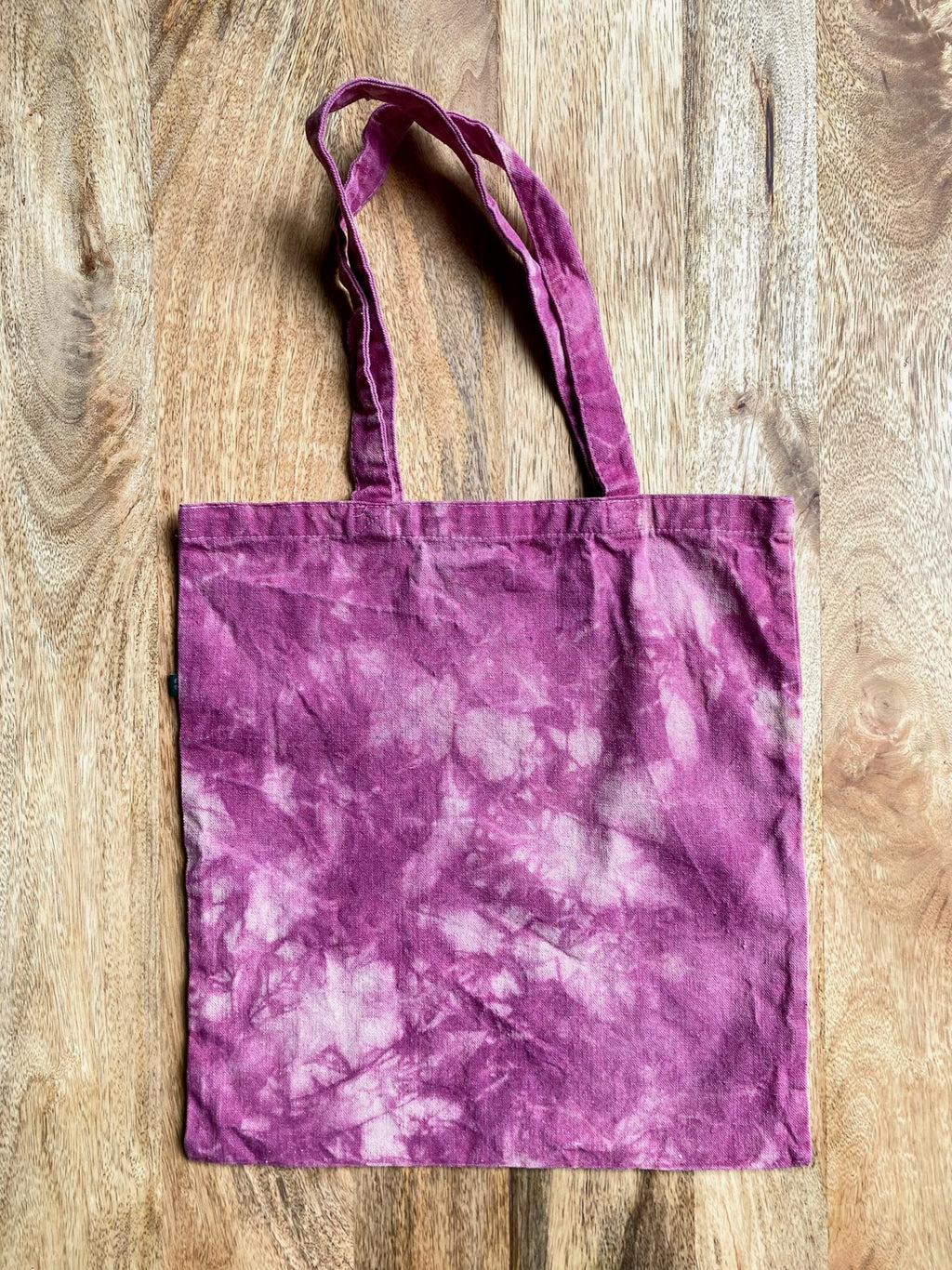 Fleming and Cazalas (F&C) naturally dyed 100% cotton flour sack towel for your kitchen or as a hand towel around the house. Naturally dyed with materials from nature and with zero harsh chemicals. Hand dyed in Austin, Texas with a slow process.