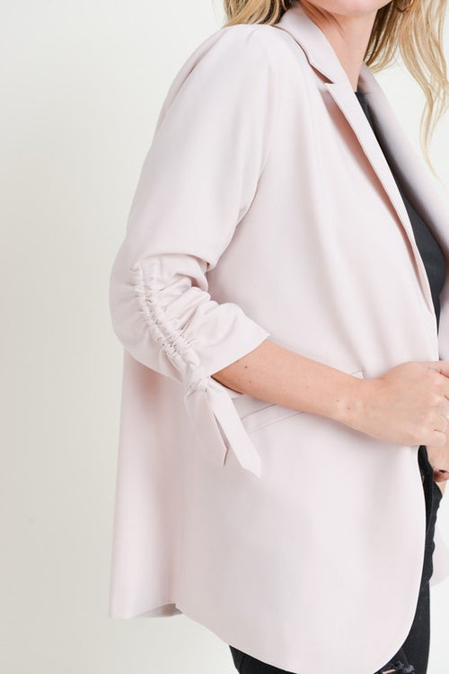 RUCHED SLEEVE JACKET - BEIGE