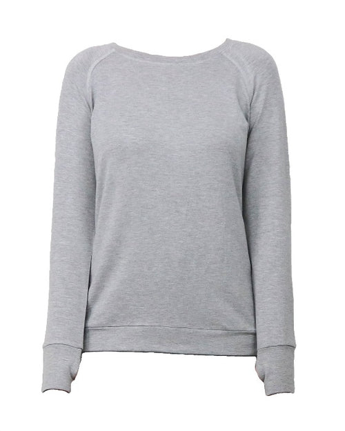 Finally, a gray top for all your weekend plans. Whether it's an easy morning of walking the dog and hitting the farmer's market, an afternoon on the couch, or brunch with your besties, the gray raglan sleeve top is the perfect choice. This top features easy-move raglan sleeves, a classic boatneck cut and mug-ready thumbholes. Our unique Stretch Cool signature soft fabric ensures a slimming, lightweight fit for whatever you decide.