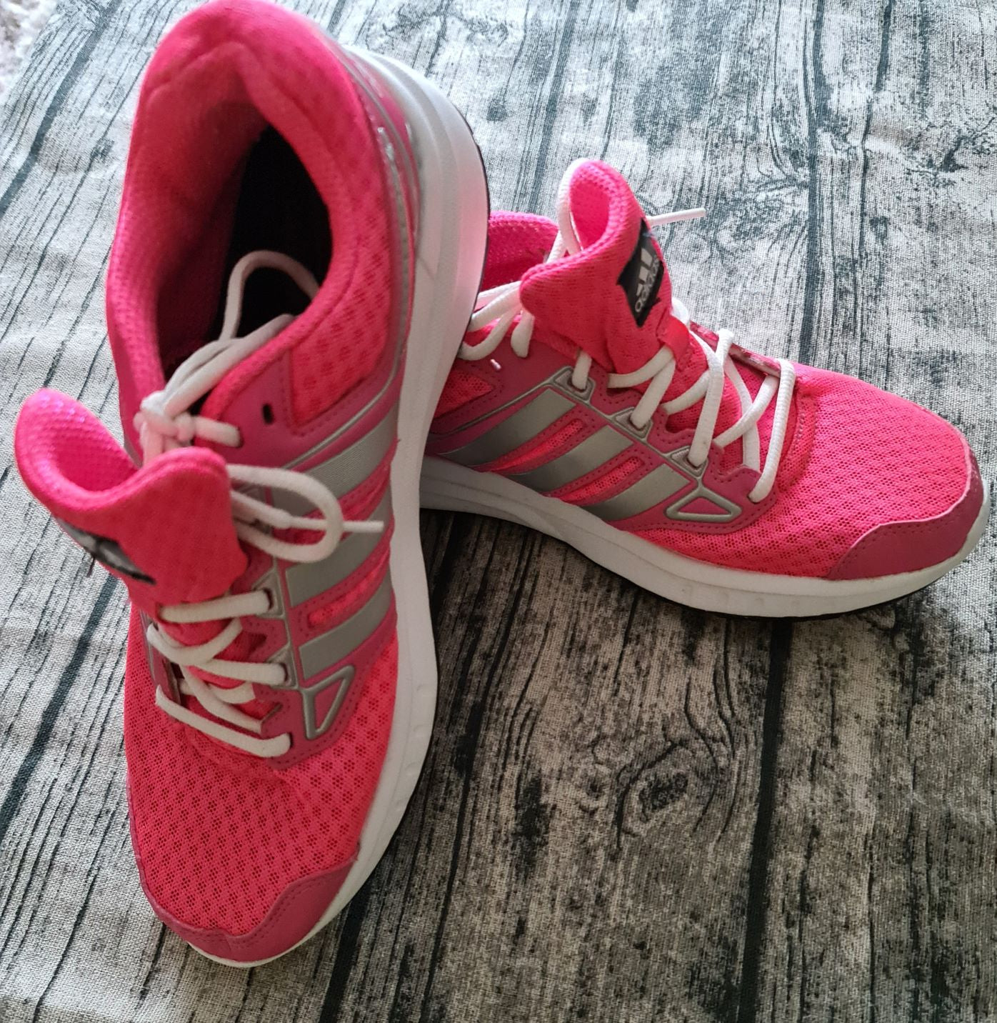 Adidas Womens Trainers size: 7 UK Pink