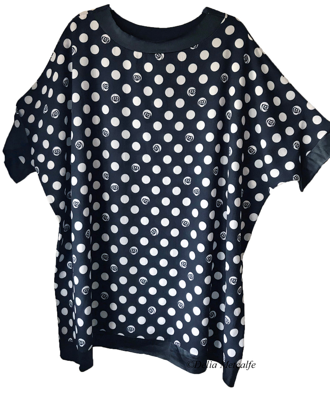 Spot Rose Patterned Top