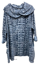 Load image into Gallery viewer, Distressed Pebble Print Tunic