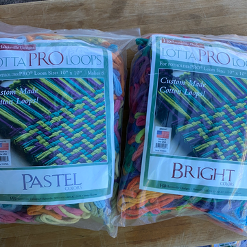 "Lotta Loops PRO Loom Kit - Makes 8-10""x10"""