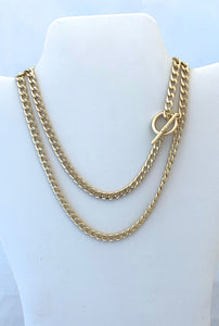 Cuban Link Gold Necklace with Toggle Closure