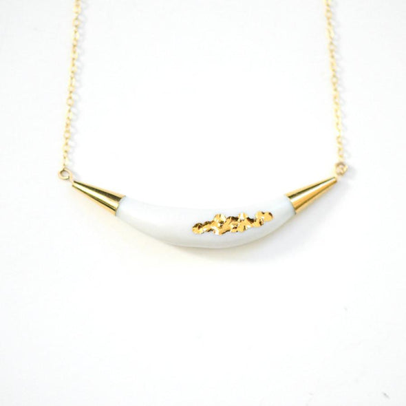 Arc Porcelain Necklace - Gold Tafoni