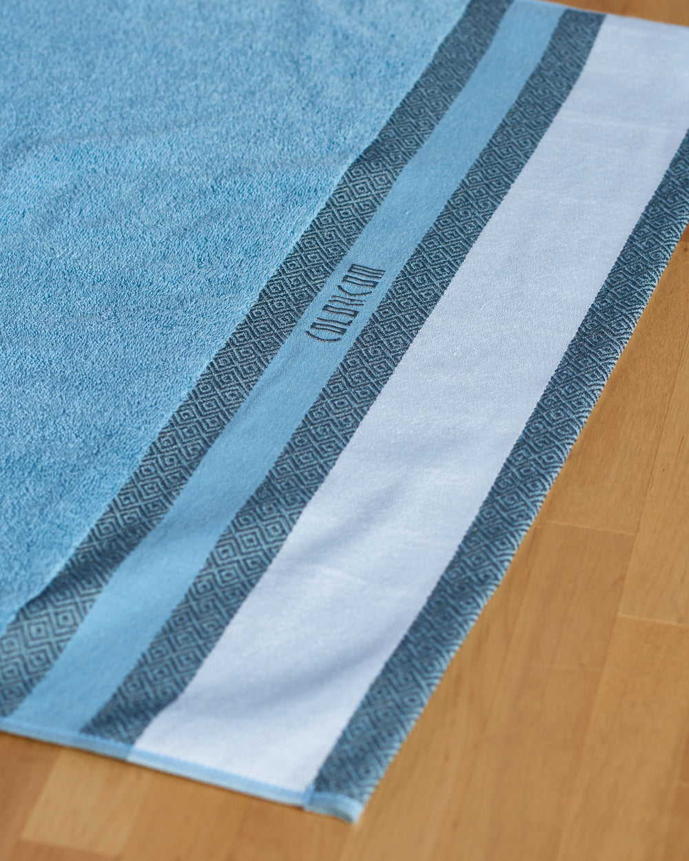 "Kind of Educations Blue Bath Towel (SIZE 27""X 53"")"