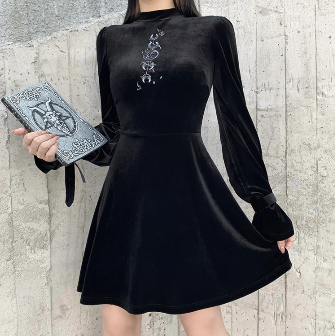 Goth Moon Embroidery Black Dress