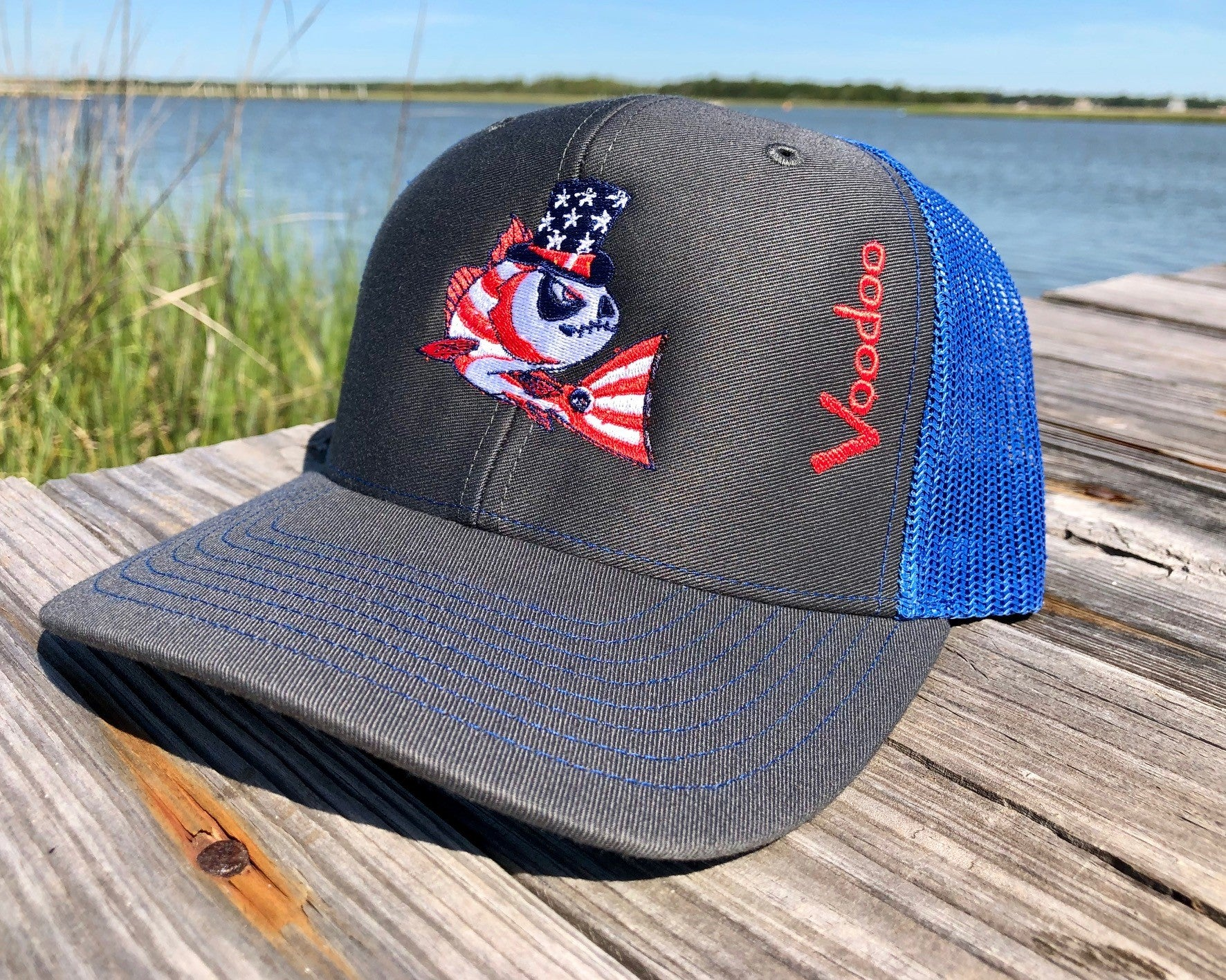 "Mesh-back Hat ""Stars & Stripes"" (gray/royal)"