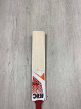 Load image into Gallery viewer, BTC Wales Size 5 Precision Bat 2