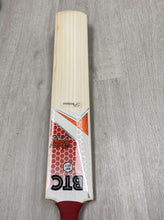 Load image into Gallery viewer, BTC Wales Size 6 Precision Bat 2