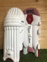 Load image into Gallery viewer, BTC Players Edition Batting Pads & Gloves