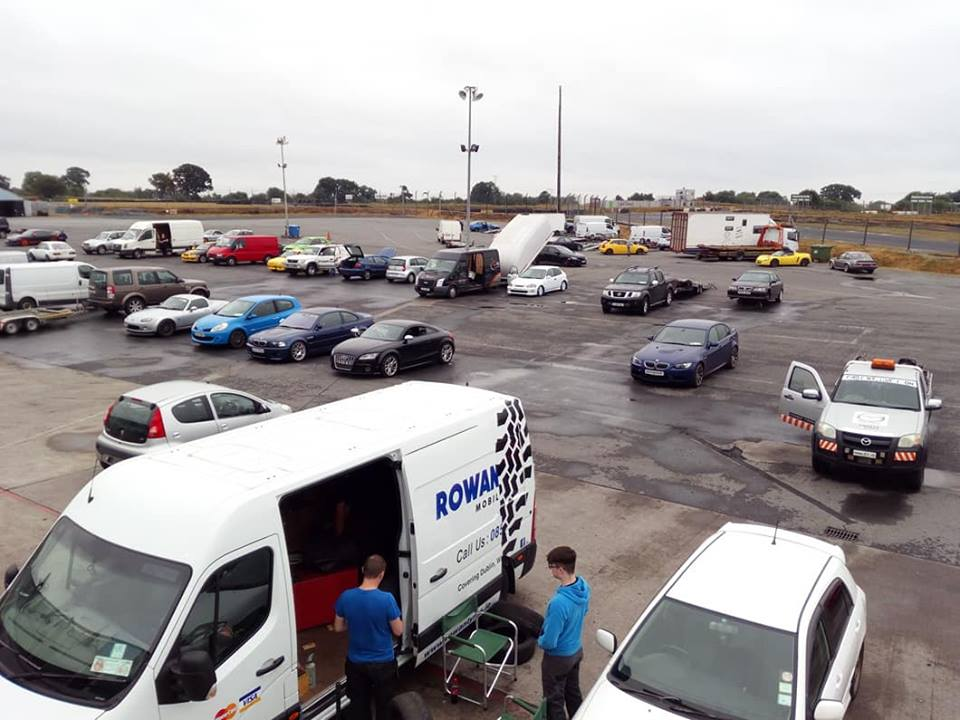 tyre changing at track day