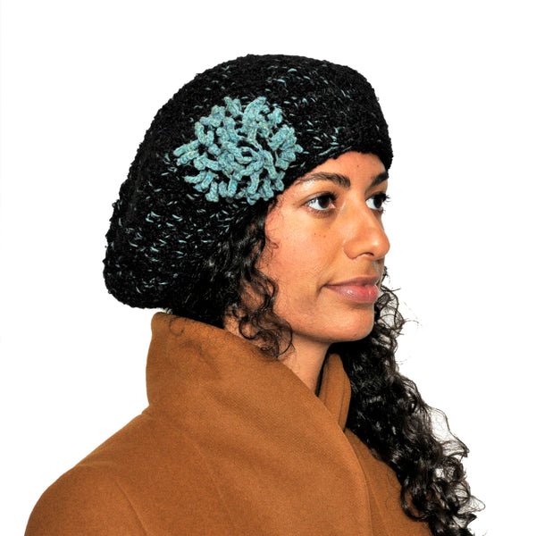 BERET WITH FLOWER