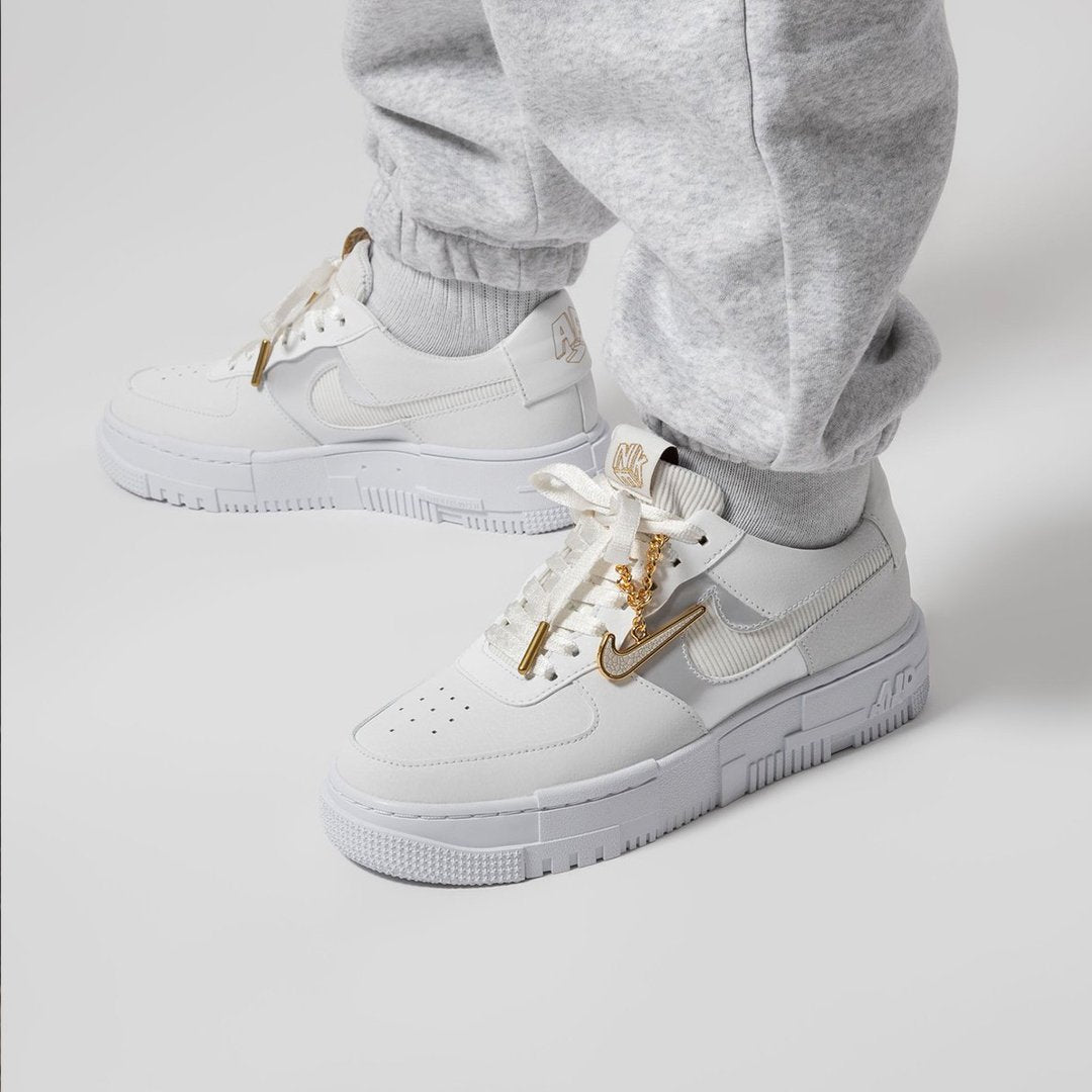 Nike Air Force 1 Low Pixel Gold Chain