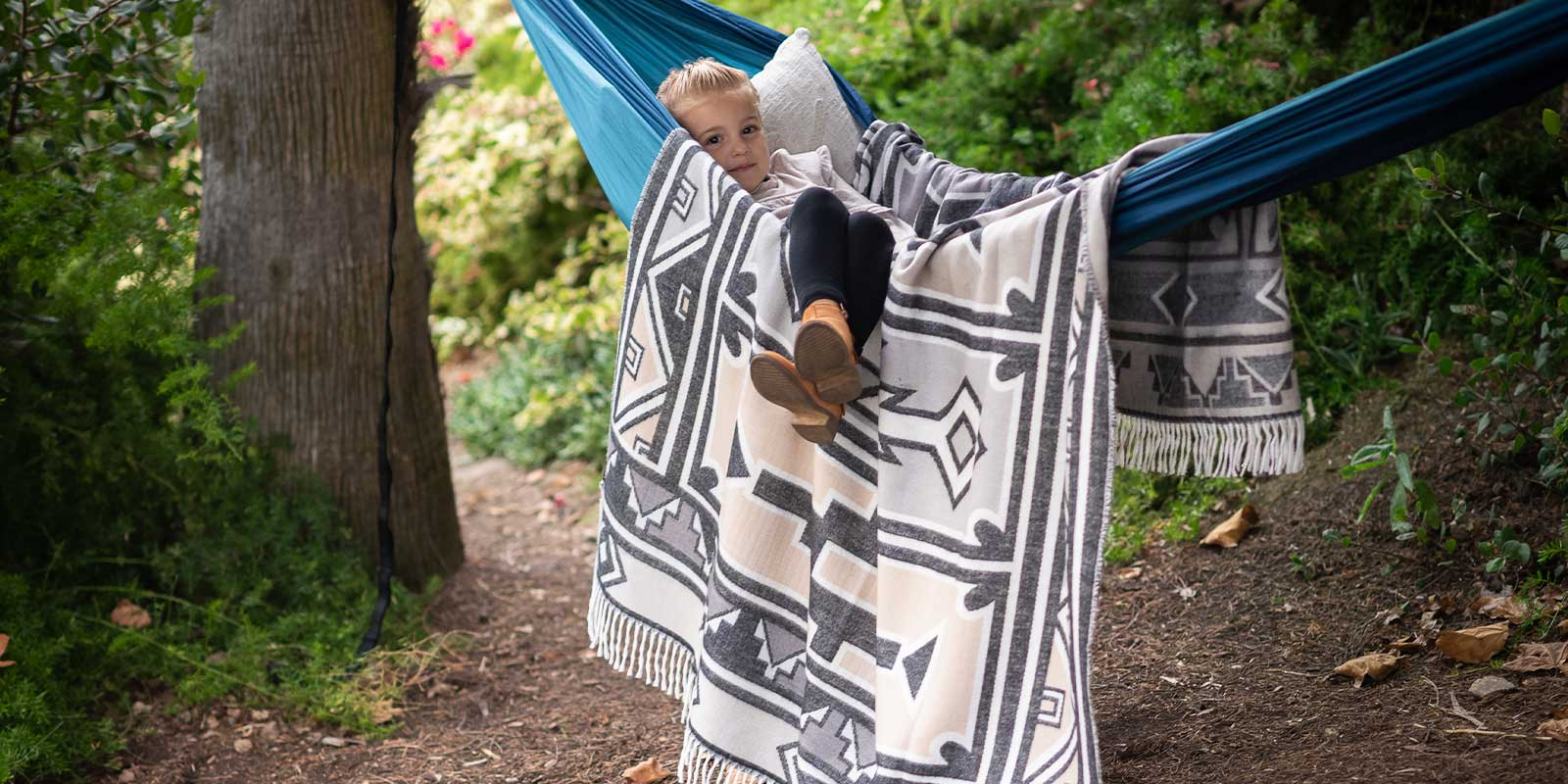 The Ndebele African camping blanket